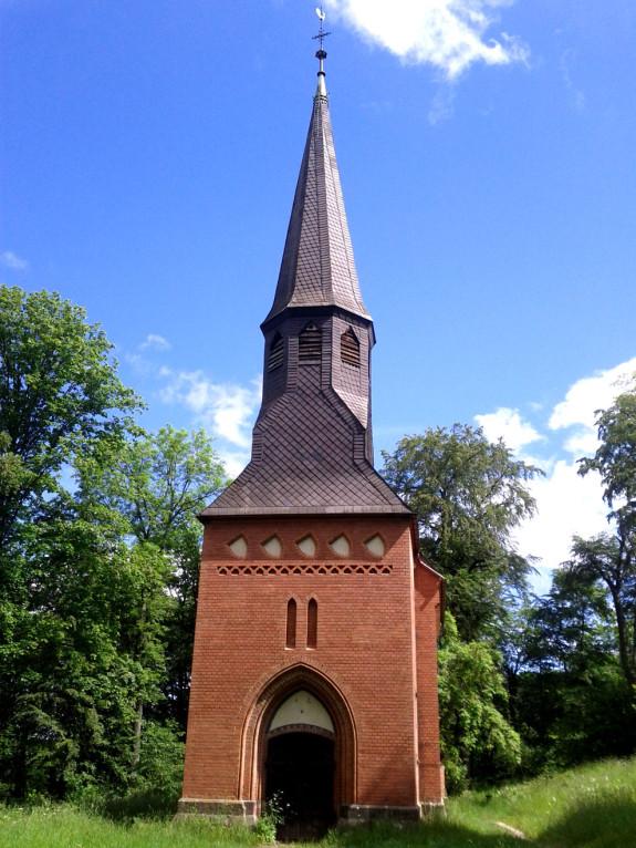 Außenansicht der Kapelle von Schloß Berlepsch