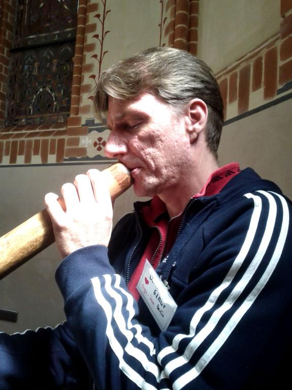 Hausmeister Merlin und sein Didgeridoo